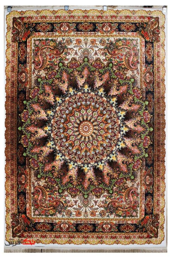 فرش ماشینی ابریشم گونه 700 شانه طرح 100165