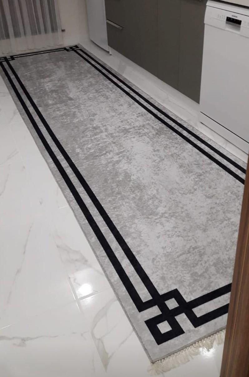 فرش ماشینی کناره طوسی کلکسیون ورساچه طرح QB2078 ( سایز دلخواه )