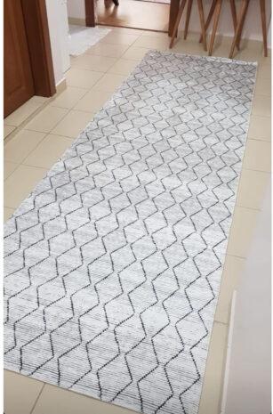 فرش ماشینی کناره سفید,مشکی کلکسیون ورساچه طرح QB2070 ( سایز دلخواه )