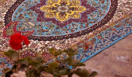 گذری بر دنیای فرش کاشان و زیبایی های بی مثالش