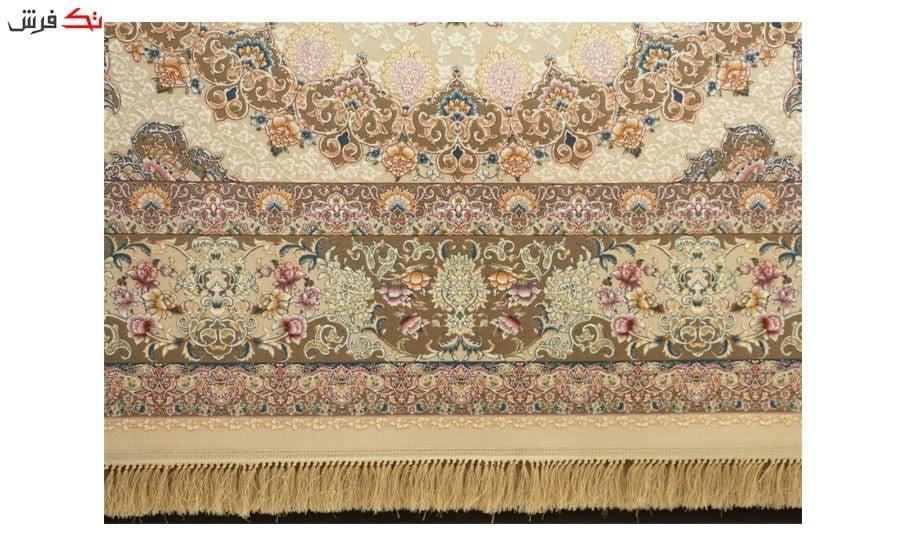 فرش ماشینی ارغوان کد 7112 زمینه کرم گل برجسته