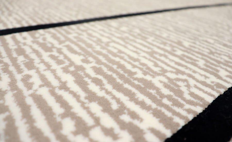 فرش فانتزی کلکسیون ورساچه کد 700118 زمینه طوسی