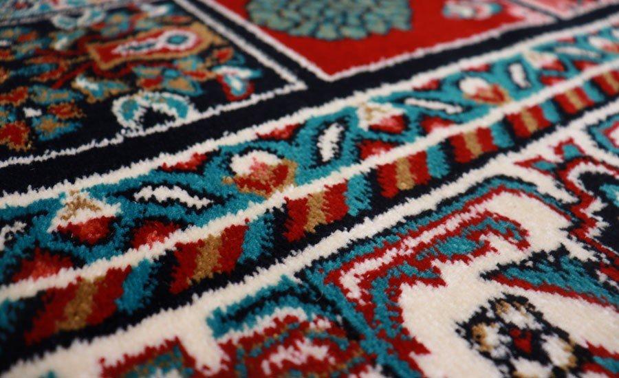 فرش ماشینی سبلان کلکسیون گبه کد 21 زمینه لاکی